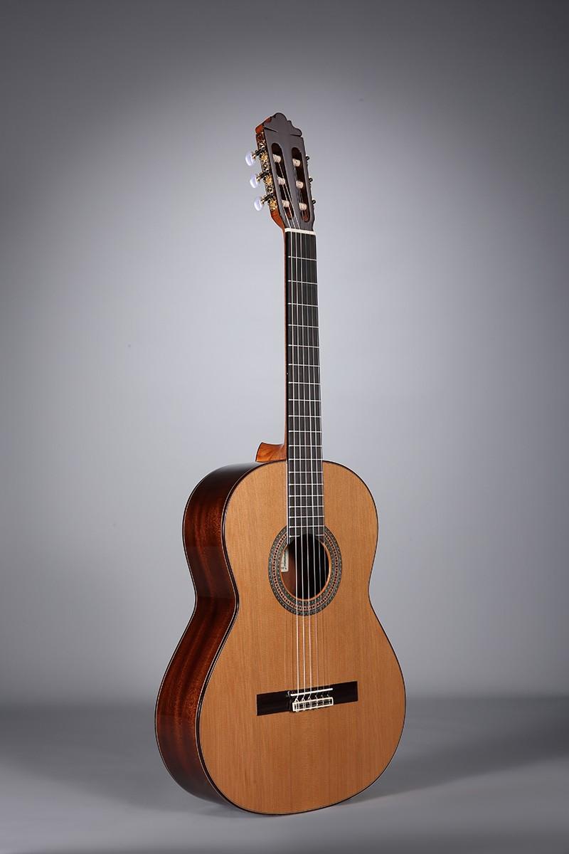 Guitares & Co - GUITARES CLASSIQUES - 4/4 - ALTAMIRA - AT005 - Royez Musik