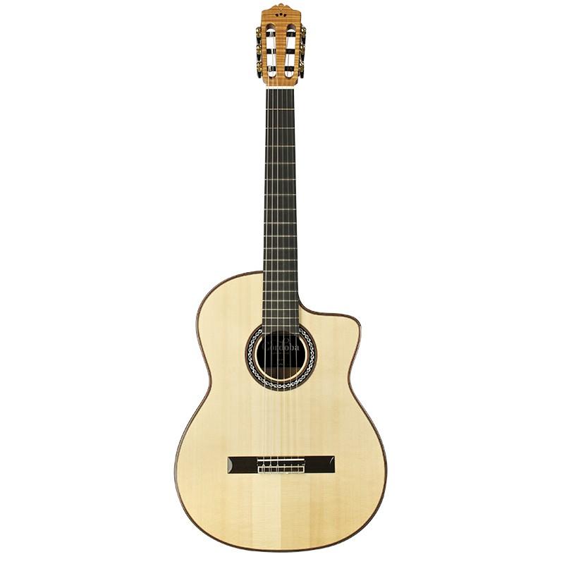 Guitares & Co - GUITARES CLASSIQUES - 4/4 - CORDOBA - CO090 - Royez Musik