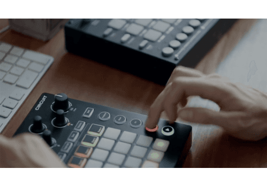 Audio - MACHINES - GROOVE MACHINE - Novation - RNO CIRCUIT - Royez Musik