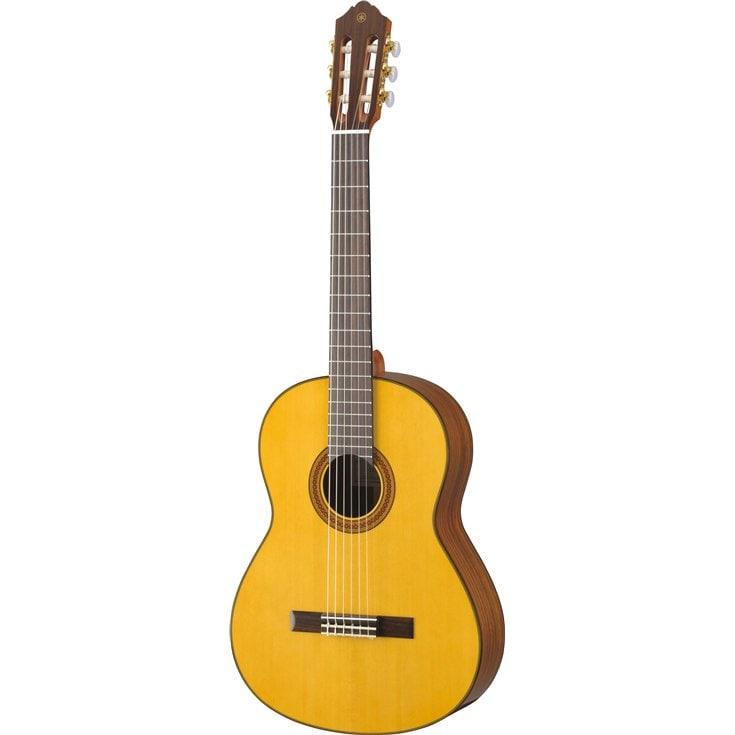 Guitares & co - GUITARES CLASSIQUES - 4/4 - YAMAHA - GCG162S - Royez Musik